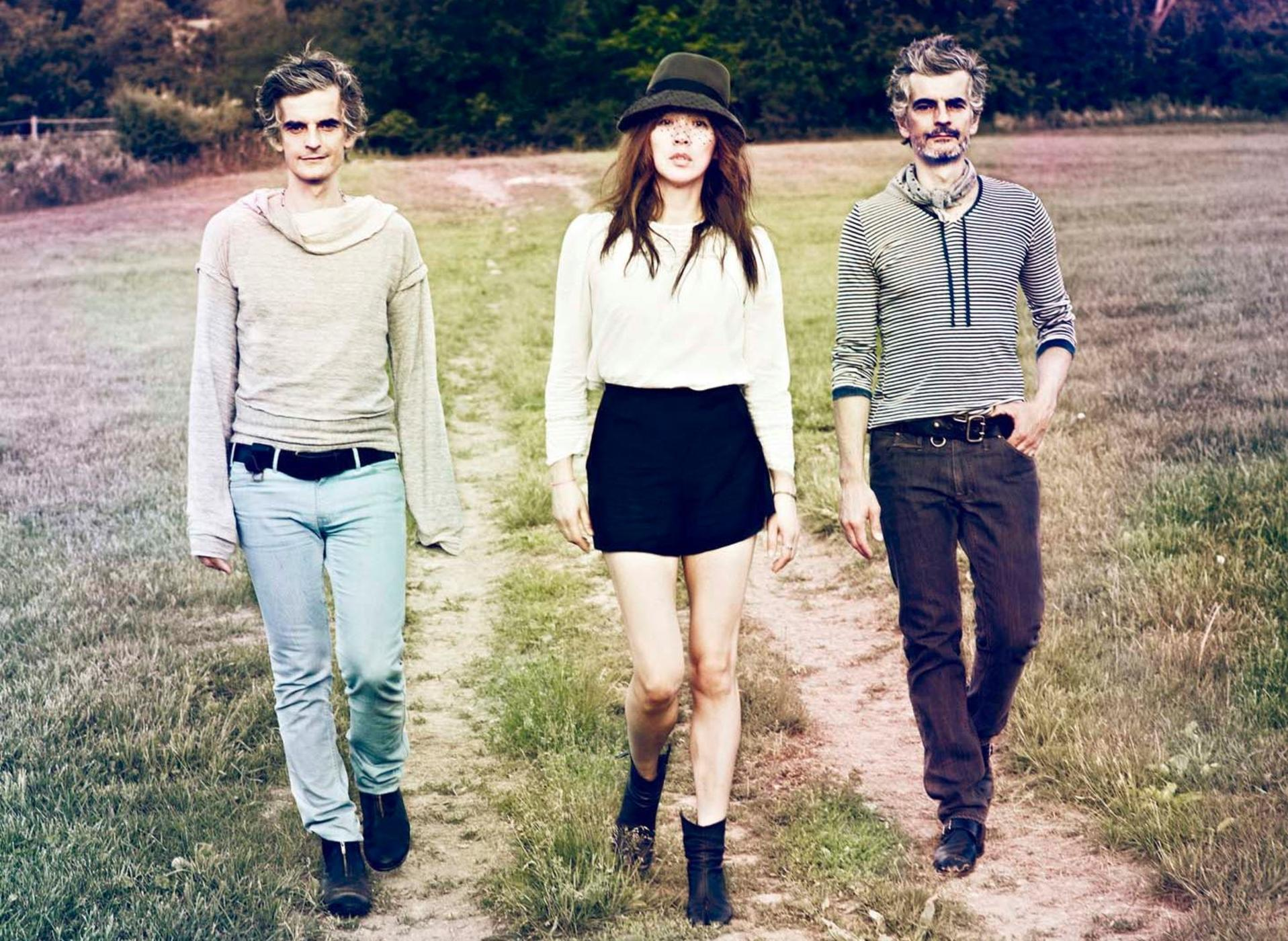 Blonde redhead 23 review